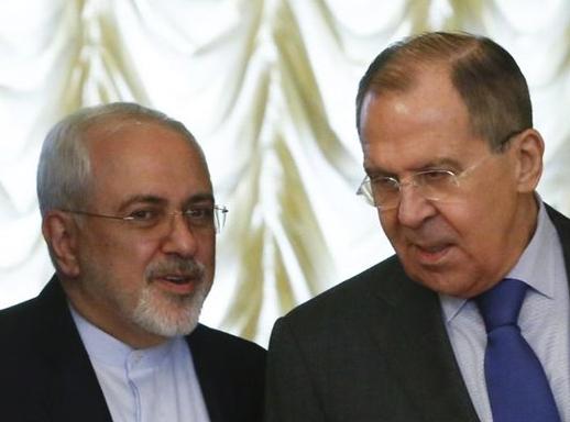 Ontmoeting van Zarif (l) en Lavrov (r) in Moskou